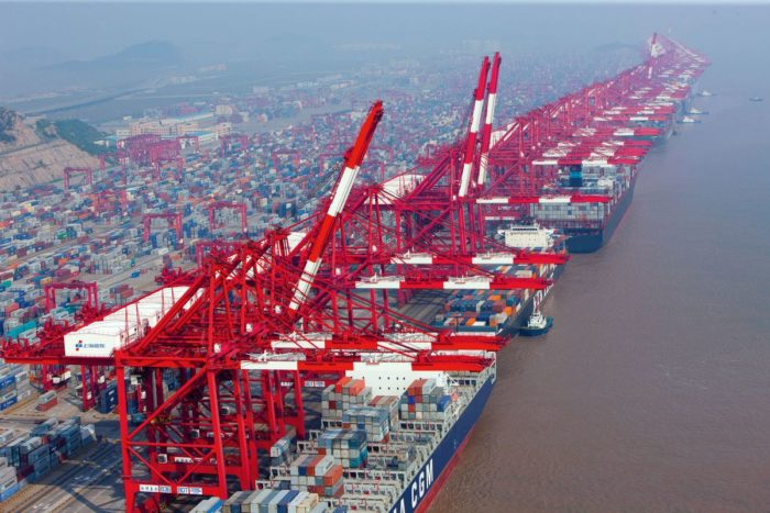 Морской порт в Шанхае