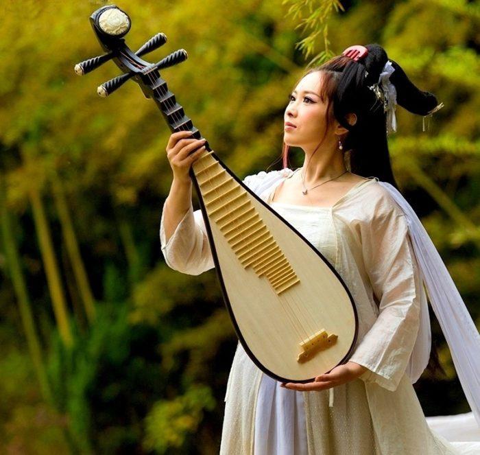 классические китайские щипковые музыкальные инструменты