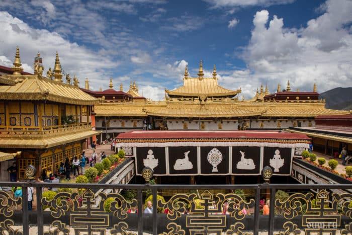 Храм Джоканг (Цуглахан).