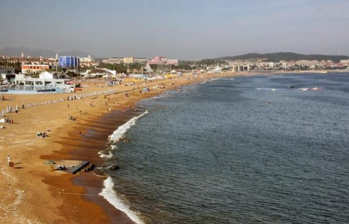 Пляж Золотой камень