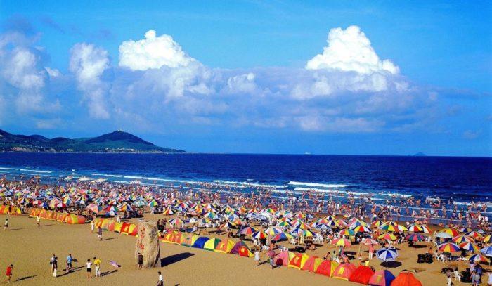 Пляж Золотой песок