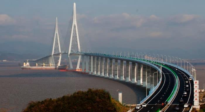 Большой китайский мост Ханчжоу между Шанхаем и Нинбо — очередная запись в реестре Гиннеса.