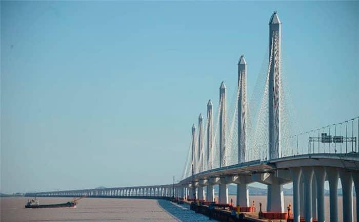 Вантовый мост Сутун на реке Янцзы.